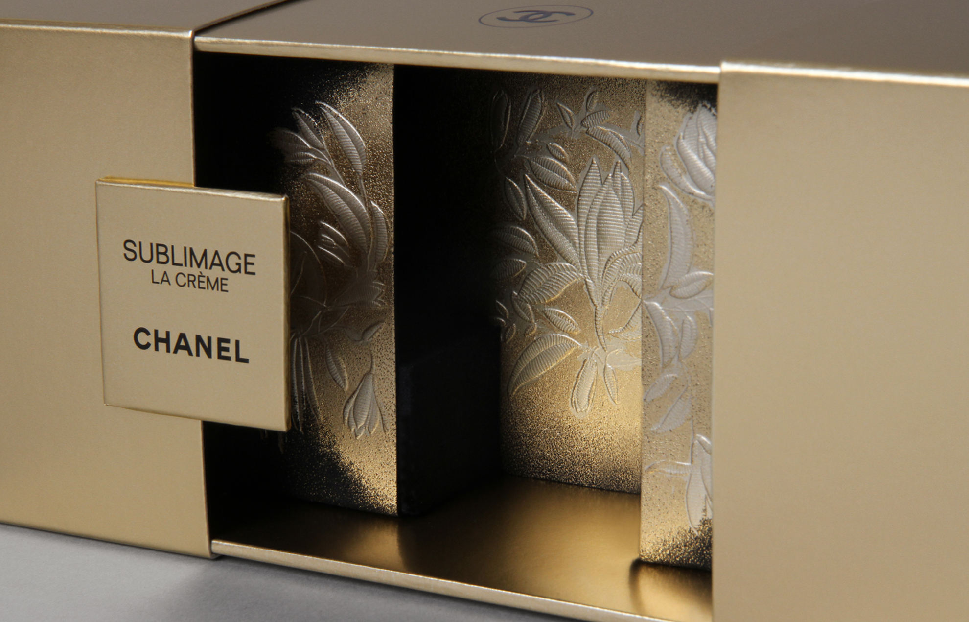 PLV Chanel Sublimage - Gaufrage et marquage à chaud